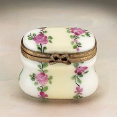 Limoges oval Box with Roses