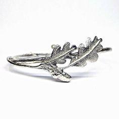 Oak leaves and Acorn bracelet English Gifts, Oak Leaves, Acorn, Silver Rings, Bracelets, Accessories, Jewelry, Jewlery, Oak Leaf Cluster