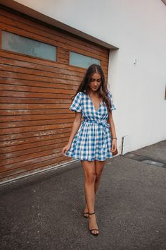 It's official, my favourite season is here… dress season! If you couldn't already tell, I have a real thing for. Pumpkin Pound Cake, New Trends, Gingham, Wrap Dress, Street Style, Summer Dresses, Sunday, My Style, Creative Ideas