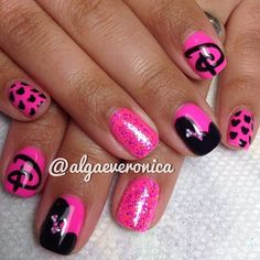 Adorable pink Disney's Minnie Mouse nails!