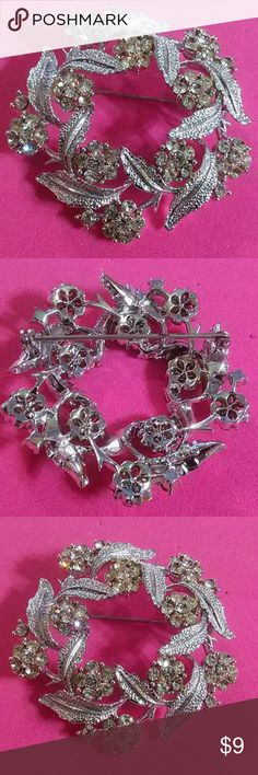 GORGEOUS VINTAGE BROOCH SEE PICTURES FOR DESCRIPTIONS Jewelry Brooches