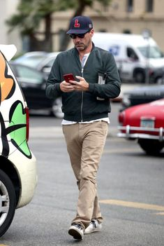 These Three Pictures Of Jon Hamm Will Make You Spit Out Your Water