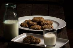 Gluten-free and dairy-free oatmeal peanut butter cookies. http://www.vespresso.cooking/en/2015/12/oatmeal-peanut-butter-cookies/