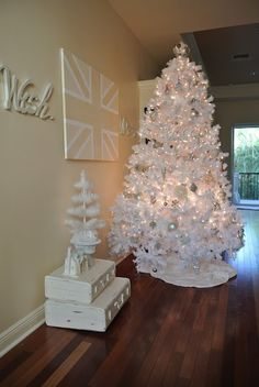 White Christmas tree thinking gold silver champagne colors