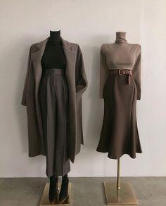 korean street fashion that look trendy. Vintage Outfits, Vintage Fashion, 1950s Fashion, Vintage Clothing, Vintage Dresses, Modest Fashion, Fashion Dresses, Look Fashion, Womens Fashion