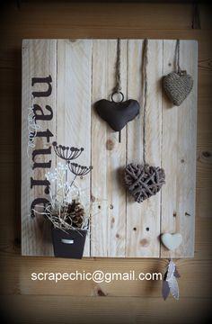 Un échantillon de ce qui vous attend au marché de Noêl samedi ... Ambiance Nature, pour les Fan de coeurs ! Ce cadre palette décoratif trouvera sa place aussi bien sur un mur en lambris, qu'un mur peint. Soft et cocooning, livré prêt à être accroché !...