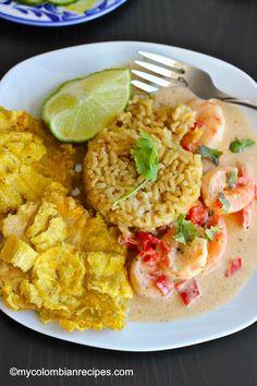 Camarones a la Criolla con Coco (Creole and Coconut Shrimp) Colombian Dishes, My Colombian Recipes, Colombian Food, Seafood Recipes, Mexican Food Recipes, Dinner Recipes, Cooking Recipes, Ethnic Recipes, Dinner Ideas