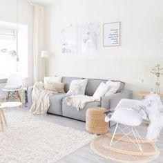 En dan nu... genieten van een bankhangavondje! #interior #interiorblogger #interiordesign #instahome #whitehome #whiteliving #scandinavianinterior #scandinavischwonen #scandinavianliving #scandinavian #scandinavianhome #nordicinterior #nordicliving #nordichome