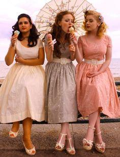 Love these braidsmaid dresses!