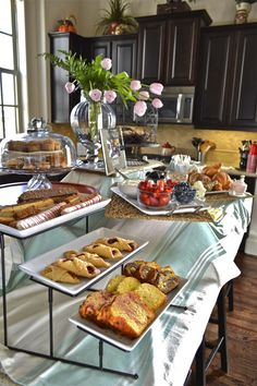 On Saturday my mother hosted a lovely brunch for some of my bridesmaids before we headed out to the Bridal Extravaganza. This event is a so...