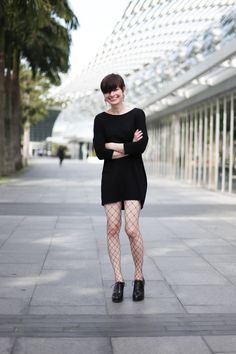 About A Girl: Birgit, Gallery Director, Shoes from Geox.  #shentonista #theuniform #singapore #fashion #streetstyle #style #ootd #shentonway #women #austria #velvet #deox #robinsons #netted #leggings #black #shorthair