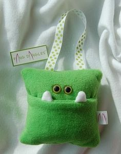 Tooth Fairy Pillow. So gonna make these and have them hang on the bed rail so it will be much easier to sneak the tooth out and the money in :)
