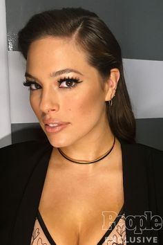 Exactly How to Get Ashley Graham's America's Next Top Model Makeup - retro cat-eye Ashley Graham Vogue, Ashley Graham Style, Ashly Graham, Ashley Graham Instagram, Beautiful Gorgeous, Beautiful Women, Armani Beauty, Good Looking Women, Victoria's Secret