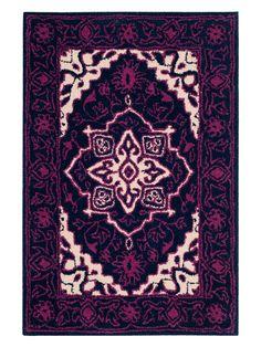 Bellagio Hand-Tufted Wool Rug from Safavieh Bedroom on Gilt