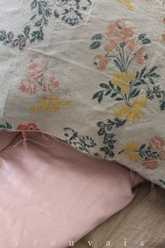 18th century textiles… / #textiles #flowers #antique #linens
