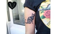 56 cat tattoos that will make you want to get inked: Simple cat tattoo with color Cat Portrait Tattoos, Cat Paw Tattoos, Finger Tattoos, Circle Tattoos, Mini Tattoos, Cat Silhouette Tattoos, Heart Tattoo Images, Geometric Cat Tattoo, Outer Space Tattoos