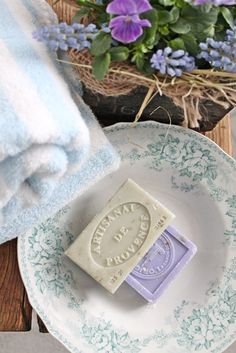 Artisanat  ~ Savon de Provence ~ lovely French soap