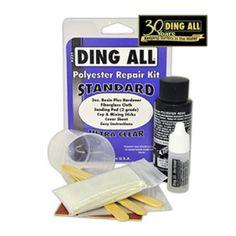 Reparador Polyester Ding All Repair Kit para tablas de surf.Kit de reparación completo para tablas de surf fabricadas en fibra de vidrio con el que puedes arreglar pequeños golpes tu mismo sin necesidad de pasar por el shaper.Este Kit incluye: 1 bote de dos onzas de resina poliéster.1 bote de una onza de catalizador.1 paño de fibra de vidrio.Papel de lija con doble cara y esponja.3 aplicadores de madera y una vaso de plástico para la mezcla.Instrucciones en inglés.Fabricado en los USA.