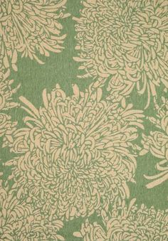 The Martha Stewart Living Chrysanthemum area rug is perfect for spring.