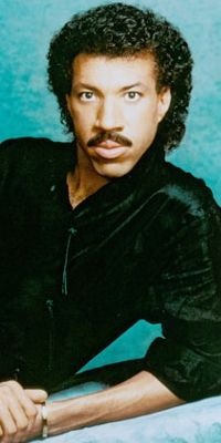 Looking for the official Lionel Richie Twitter account? Lionel Richie is now on CelebritiesTweets.com!