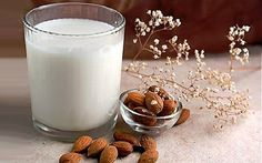 Milk Alternatives and a Delicious Carrot Almond Soup Recipe - Paula's healthy living Almond Soup Recipe, Almond Milk Recipes, Homemade Almond Milk, Raw Food Recipes, Coconut Milk, Almond Milk Benefits, Beyond Diet Recipes, Do It Yourself Food, Milk Allergy