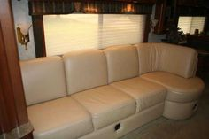 2006 Used Country Coach Intrigue 530 Jubilee Class A in Nebraska NE.Recreational Vehicle, rv, 2006 Country Coach Intrigue 530 Jubilee , FOR SALE: Very Nice Class A - Diesel 2006 Country Coach Intrigue 530 Well Maintained 38k Miles Cat 13 liter 525 HP 4 Slides 3 TV's 3 Air Conditioners Tires 70% Non Smoker New Alternator New House Batteries Chassis: 45' Tag Axle Chassis 2 stage engine compression brake, 160 Amp alternator, Allison 4000MH six speed automatic w/2 overdrive gears, Keypad…