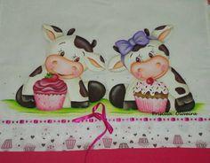 Resultado de imagen para vaquitas pintadas en tela Kitty Drawing, Cute Cows, Funny Cows, Cow Painting, White Cow, Pintura Country, Beautiful Gif, Cow Print, Clay Charms