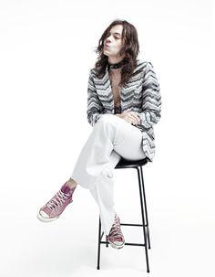 """Continuaremos a divulgar e enaltecer a beleza do Harry Styles e pronto! Ele merece! É lindo sim, lindíssimo! E saíram mais fotos para a revista """"Another Man"""", agora em qualidade bem boa, que provam nosso ponto. * Harry Styles (ainda lindíssimo) fala sobre 1D e carreira solo em conversa com Paul McCartney e Chelsea Handler …"""