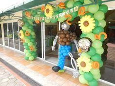 Decoración temática con globos de plantas vs zombies