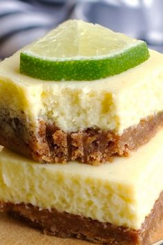 Key Lime Pie Bars - Creamy, smooth, and so flavorful. Double key lime filling when using pan Smores Dessert, Dessert Bars, Lime Recipes, Sweet Recipes, Bar Recipes, Recipies, Key Lime Pie Bars, Key Lime Cheesecake Bars, Key Lime Squares