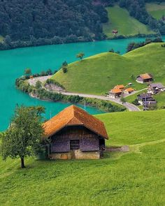Solve Lakeside Living jigsaw puzzle online with 12 pieces Holidays Around The World, Places Around The World, Around The Worlds, Wonderful Places, Beautiful Places, Purpose Of Travel, Lakeside Living, South America Travel, Week End