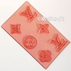 SET OF SIX ELEMENTS LOUIS VUITTON - GREAT FOR CUPCAKES AND CAKE DESIGNS !