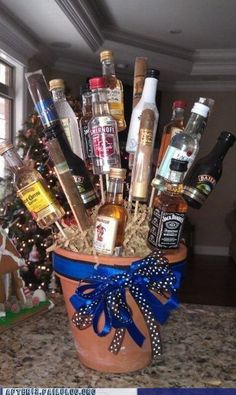 Liquor Bouquet - perfect for birthday presents Alcohol Bouquet, Liquor Bouquet, Beer Bouquet, Christmas Gifts For Boyfriend, Boyfriend Gifts, Valentine Day Gifts, Boyfriend Ideas, Girlfriend Gift, Future Boyfriend