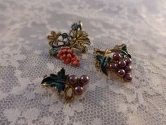 Grape Cluster Scatter Pin Brooches Gold Tone by PrettyOldJewels
