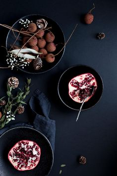 pomegranate . Granatapfel . grenade | Food. Art + Style. Photography: Food on black by my little fabric |