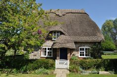 Chocolate box cottage in Dorset!