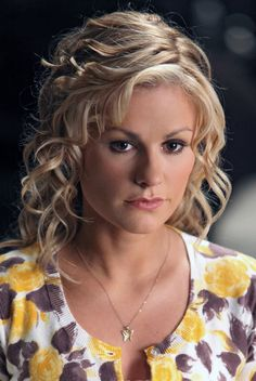 The makeup worn by Anna Paquin as Sookie Stackhouse in season 2 of True Blood.