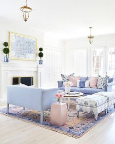 Preppy and Bright Living Room Design Inspiration for our New House Home Living Room, Living Room Furniture, Living Room Designs, Rustic Furniture, Paper Furniture, Antique Furniture, Condo Living, Furniture Layout, Furniture Projects