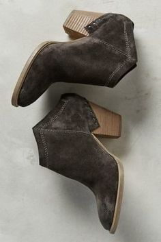 Vita Haku Booties These. In this color. For fall. - Dolce Vita Haku Booties - These. In this color. For fall. Bootie Boots, Shoe Boots, Ankle Boots, Suede Booties, Crazy Shoes, Me Too Shoes, Mein Style, Everyday Shoes, Boot Shop