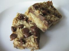 chocolate chip toffee bars. We are going to have to make these. @Megan Winning Chocolate Toffee Bars, Chocolate Caramels, Toffee Cookies, Brownie Cookies, Cookie Bars, Best Dessert Recipes, Sweet Desserts, Bar Recipes, Yummy Recipes