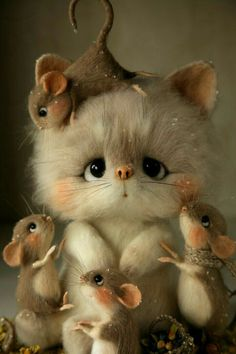 Sooo cute: mice & kitty