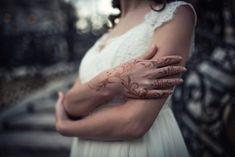 Fotografia de nuntă trebuie să fie fabuloasă din toate punctele de vedere și emoțiile reflectate de imagini trebuie să fie aceleași cu cele trăite de voi în ziua evenimentului. Pentru asta, fiind fotograful vostru, mă implic emoțional în fiecare eveniment.  Îmi place să captez momentele și să le transpun într-o poveste. Povestea nunții voastre. Sunt cu siguranță cadre pe... Leather, Fashion, Moda, Fashion Styles, Fashion Illustrations