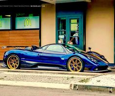 While many people brought their supercars to the Goodwood Festival of Speed over the weekend, the driver of this Pagani Zonda Tricolore decided to take things a bit easier, using his car to honor the McDonalds Drive-Thru. Pagani Zonda, Pagani Car, Ferrari F40, Lamborghini Aventador, Mercedes 190, Gt R, Audi Rs5, Aston Martin Vantage, Mclaren P1