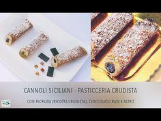 Cannoli Siciliani - Veg Raw Food (Pasticceria Crudista)  Link ricetta e/o videoricetta: http://www.cucinabioevolutiva.com/2015/01/06/cannoli-siciliani-pasticceria-crudista/  tag: #cannolo #cannoli #cannolisiciliani #rawcannoli #rawfood #crudismo #crudo #veg #glutenfree #senzaglutine #vegan #sicilia #sicily