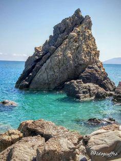 Visit Sicily (@VisitSicilyOP) a spasso per la litoranea di #capodorlando lo scoglio Garibaldi  ph Aldo Giuffè #summerinsicily #yummysicily