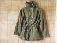 Vintage Lady's Army Green Canvas Hooded Pullover Anorak Front Pocket Parka Smock Size S