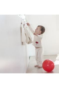 Kids pajamas organic cotton For kids in the age of 2 to 3 years. Pajamas in organic cotton produced without chemical fertilizers or pesticides. Red Balloon pajama set : long sleeve T shirt and full length pants. Top : Crew neck, long sleeve and Red Cloud, Red Balloon, Kids Pajamas, Pajama Set, Organic Cotton, Crew Neck, Long Sleeve, Pants, Products