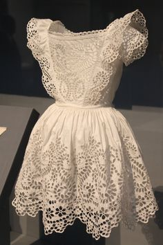 A sweet lace apron <3