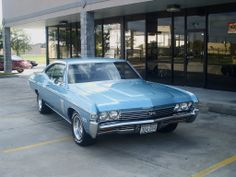 Vintage Cars Another one of those youthful cars, the 1968 Chevy Impala SS. This was exactly the color of mine also. Classic Chevrolet, Classic Chevy Trucks, 1957 Chevrolet, Chevrolet Chevelle, 1968 Chevy Impala, 67 Impala, Muscle Cars, Car Restoration, Classy Cars