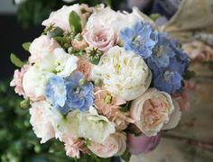 Букет невесты голубой светло розовый